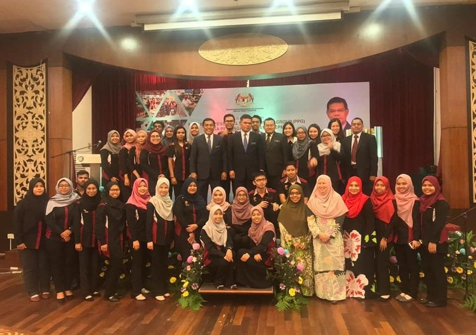 AHIBS Lecturers Received Recognition From The Minister Of KPDNHEP