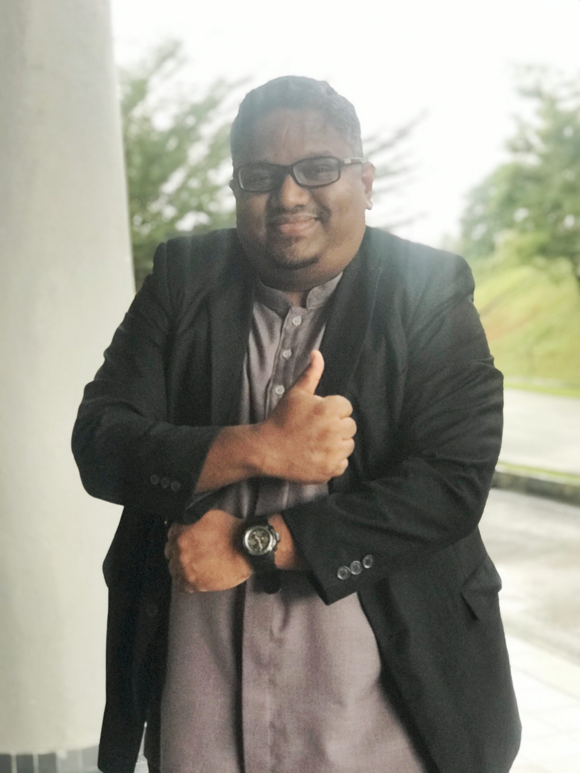 DR MOHAMED AYYUB HASSAN